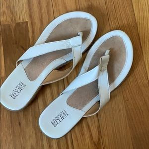 Women's white faux leather sandals 7.5